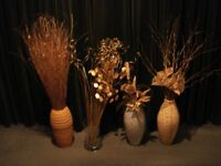 FOUR VASES WITH ELEGANT GOLD-COLOURED DISPLAYS - TALLEST 40 inches - SMALLEST 26 inches