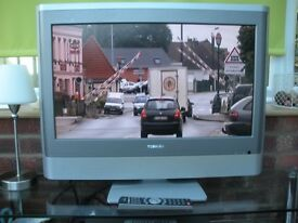 Toshiba 27 inch HD Ready / Freeview Television With Remote Control.
