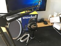 BLUE SNOWBALL MICROPHONE WITH ACCESSORIES