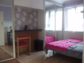 LETTSdouble ONE BED FLAT,MODERN BEDROOMS WITH 2 BATH,ROOMS AN