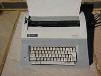 Smith Corona XL 2900 Electric Typewriter