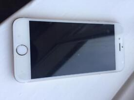 Apple IPhone 6 16GB on 02 network in gold / white
