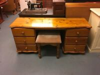 COTSWOLD PINE PANELLED BACK AND DRAWERS DRESSING TABLE WITH STOOL