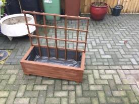 Freestanding planter and trellis