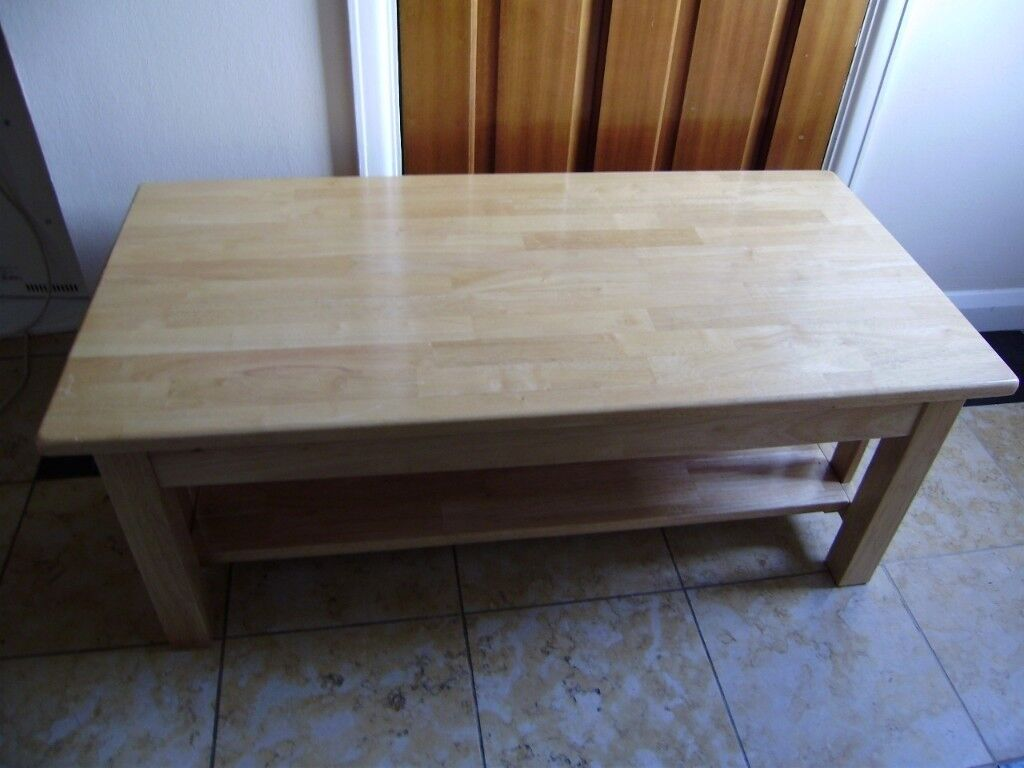 Coffee table, great condition and quality