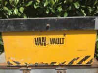 Van vault .