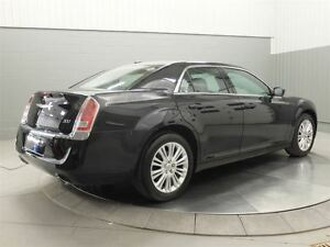 2014 Chrysler 300 AWD MAGS TOIT PANO CUIR West Island Greater Montréal image 6