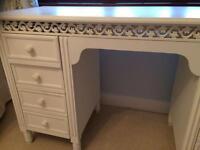 White Shabby chic dresser