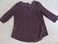 PAPAYA MATALAN TOP ALL OVER LACEY 3/4 SLEEVE SIZE 18 PLUM WITH STUD DETAIL