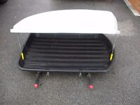 LARGE GREY AND BLACK ROOF BOX IN VERY GOOD CONDITION BARGAIN AT £45 was £199 new