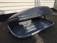 Halfords grey roof box 470 litres including roof racks and safety lock