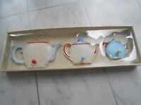 Brand new kitchen wall plaque for hanging accessories