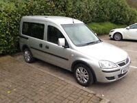 VAUXHALL COMBO TOUR 1.4 WHEELCHAIR ACCESS RAMP WITH POWER WINCH (GOWRINGS CONVERSION)