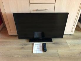 PANASONIC 32 INCH LED TV - ONLY 12 MONTHS OLD!
