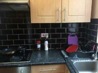 2 bedroom house woodhouse close to centre
