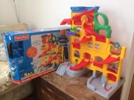 LittlePeople Wheelies Stand 'n Play Rampway