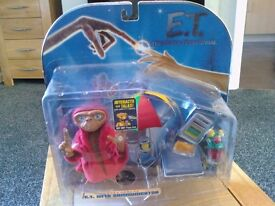 NEW - E.T. CollectableToys R Us Interactive E.T & Communicator ideal easter gift
