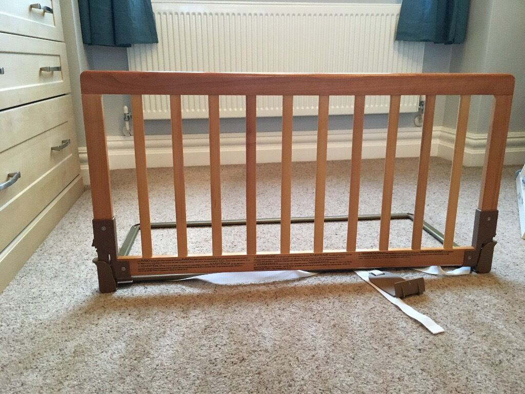Baby Dan Wooden Bedrail Bed Guard