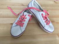 Girls leather trainers size 2G