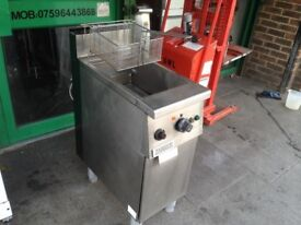 CATERING COMMERCIAL ZANUSSI GAS FRYER CUISINE CAFE SHOP TAKE AWAY COMMERCIAL KITCHEN CHIPS CHICKEN