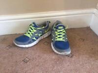 Boys Grey, blue and yellow Nike free run 2 size 5.5