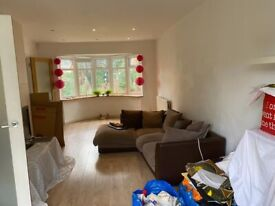 An excellent condition 3 bed lovely house in Stroud Green