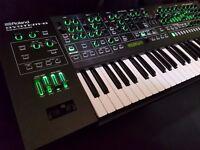 Roland System-8 Plug-Out Synthesizer system 8 Jupiter 8 + Juno 106 installed