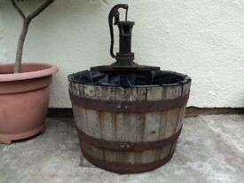 HALF BARREL WATER FEATURE WITH CAST IRON PUMP - INCLUDES ELECTRIC PUMP