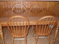 oak kitchen table/dining table with 6 chairs