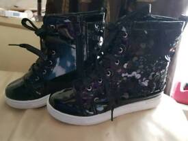 Brand new girls boots size 2