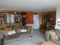 For Rent: Beautiful 2 bedroom furnished flat with garage and roof terrace in a perfect location