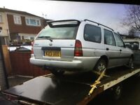 Breaking for parts Ford escort 1.6 petrol 2000