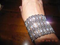 Ladies Silver Costume Jewellery Diamante Elasticated Cuff Bracelet - Never Worn
