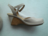 Ladies sling back shoes CLARKS size 6 1/2 D40