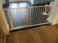 Bettercare auto close baby gate 154.2-161.2cm