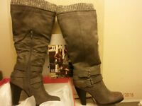 SIZE 6 LADIES BOOTS NEW NEVER BEEN WORN HIGH LEG WIDE FIT.