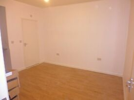 ***Including All Bills & C.Tax***Beautiful studio flat to let on meadfoot Road - Streatham Common