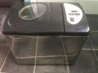 Morphy richards stainless steal fast bake breadmaker good condition hardly used