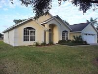 4 BEDROOM VILLA TO RENT IN FLORIDA CLOSE TO DISNEY PARKS ETC