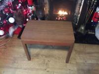 A VINTAGE/ANTIQUE MID CENTURY TEAK AND FORMICA FOLD OUT COFFEE/CARD TABLE NICE CONDITION