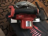 Milwaukee M18 circular saw 4.0AH battery and charger