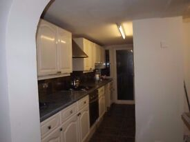 Bright & Spacious 2/3 Bedroom House