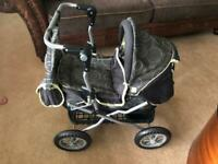 Girls toy pram excellent condition