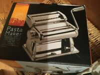 Pasta / pastry roller