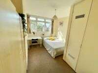 GREAT AND SPACIOUS ROOM IN CROSSHARBOUR!