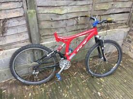 GT XCR-4000 full suspension mountain bike