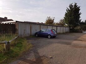 Garages to rent: Ridgeway Rd, Brogborough - ideal for storage/ parking etc - immediately available