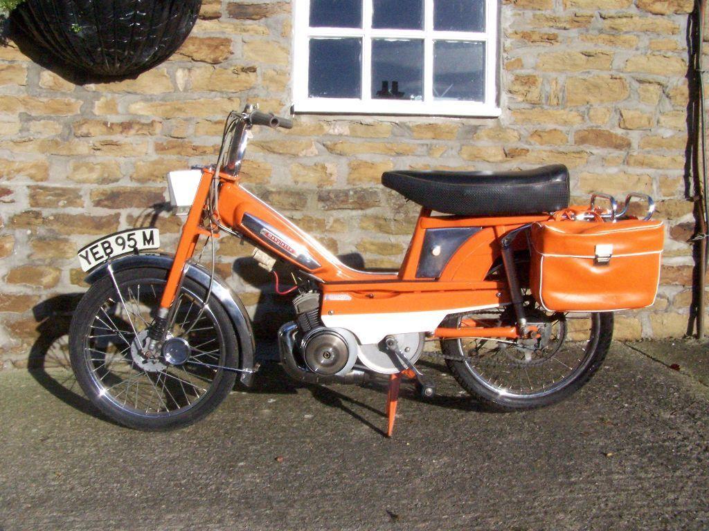 mobylette motobecane orange. Black Bedroom Furniture Sets. Home Design Ideas