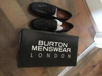 Burton Mens loafers size 9
