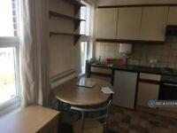 1 bedroom flat in Blackboy Road, Exeter, EX4 (1 bed) (#1075308)